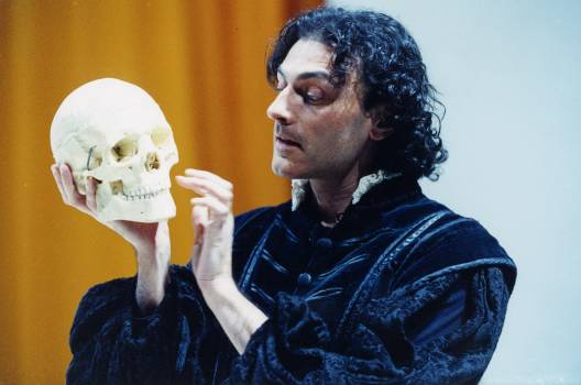 To be or not to be! Amleto? No Ressa!