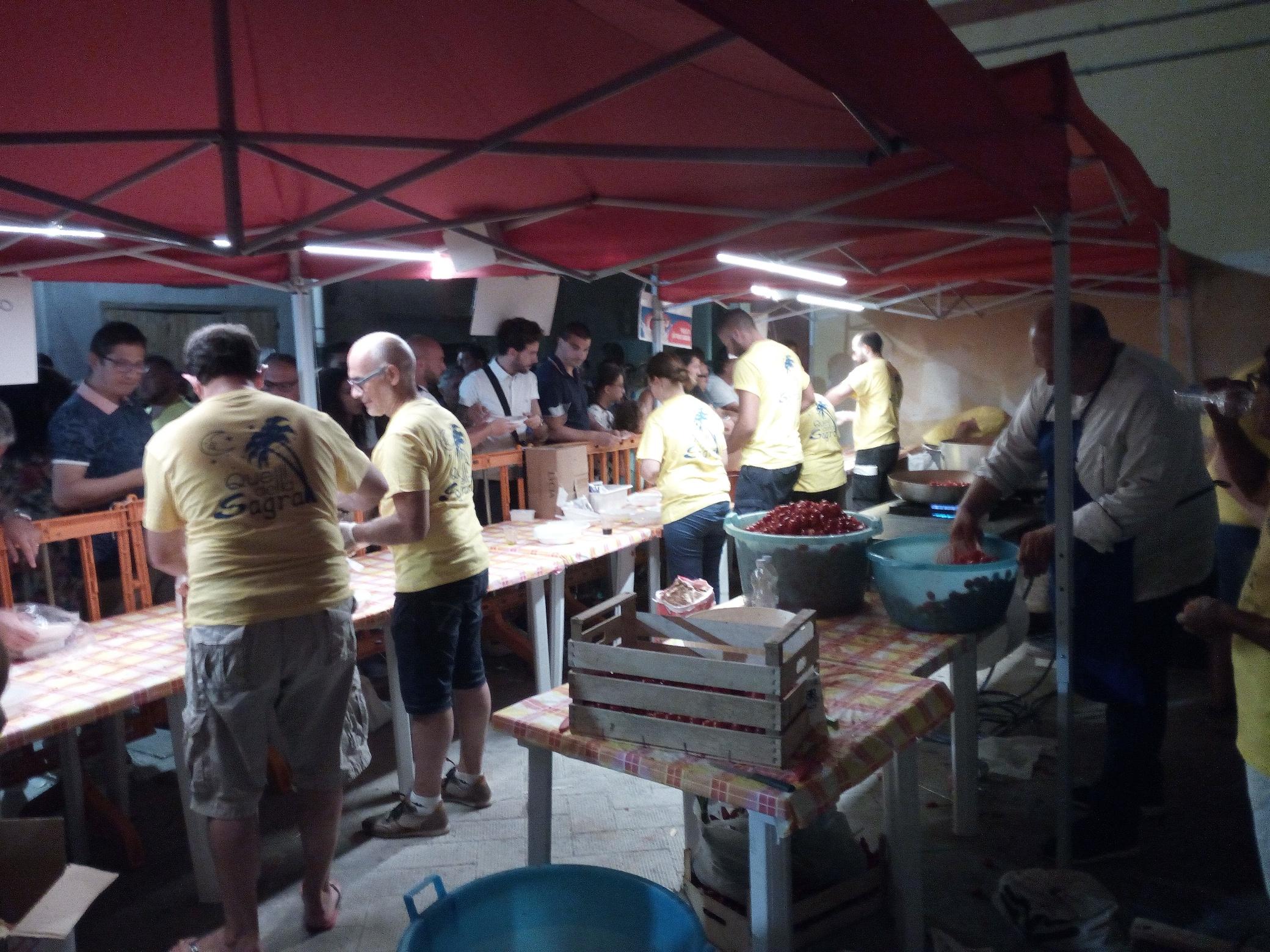 Affluenza record e da guinness alla Sagra da Farnèdd' e dei Sapori di Puglia