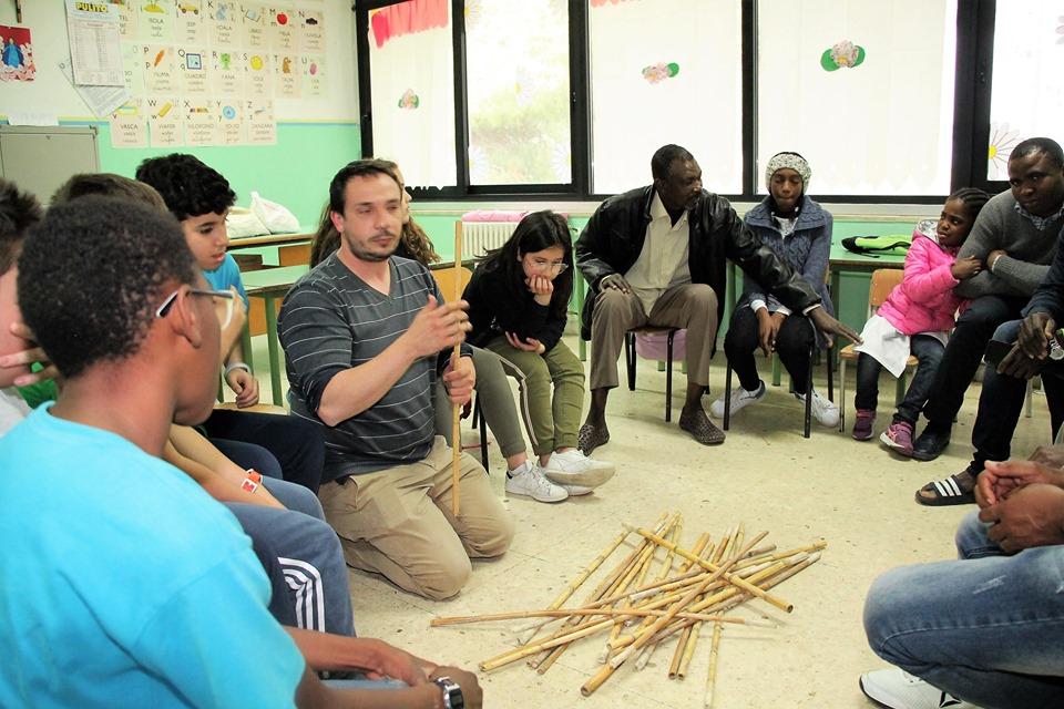 """PALAGIANO (TA). """"La biblioteca vivente e cittadini del mondo"""", un progetto del centro Sprar Koinè per educare i bambini a superare le differenze"""