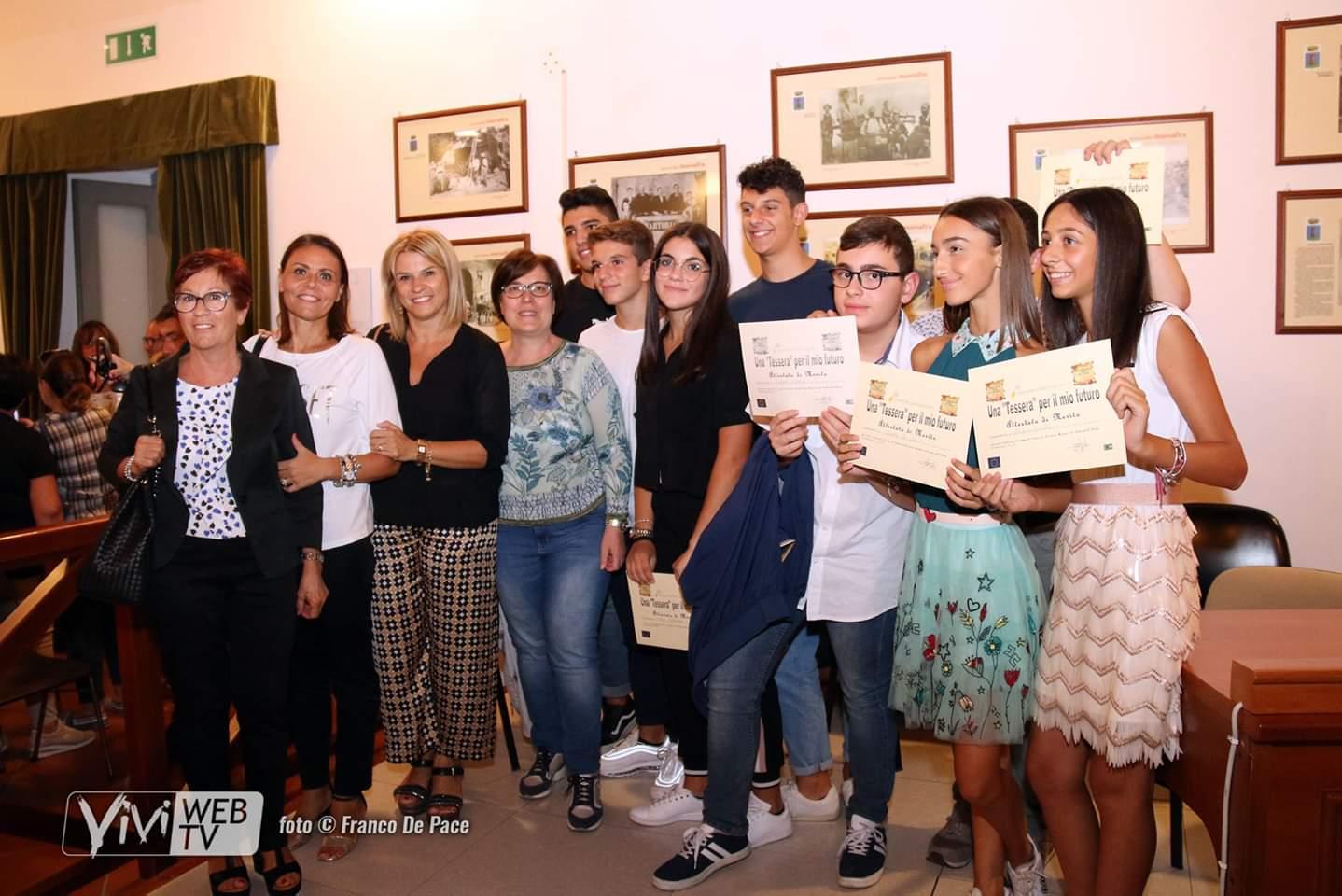 """Prestigioso riconoscimento per  i migliori alunni della scuola secondaria di I grado """"Gianni Rodari"""" di Palagiano"""