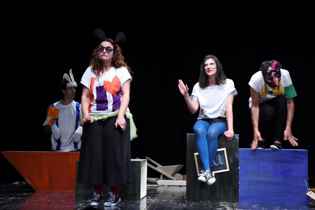 """A Massafra: """"Alice"""", dalla celebre opera di Lewis Carroll """"Alice nel paese delle meraviglie""""."""