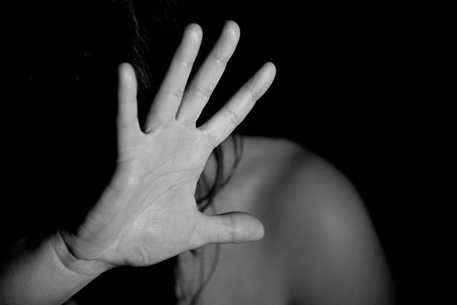 NOI CI SIAMO, NON SEI SOLA: L'APPELLO DEL CENTRO ANTIVIOLENZA ROMPIAMO IL SILENZIO