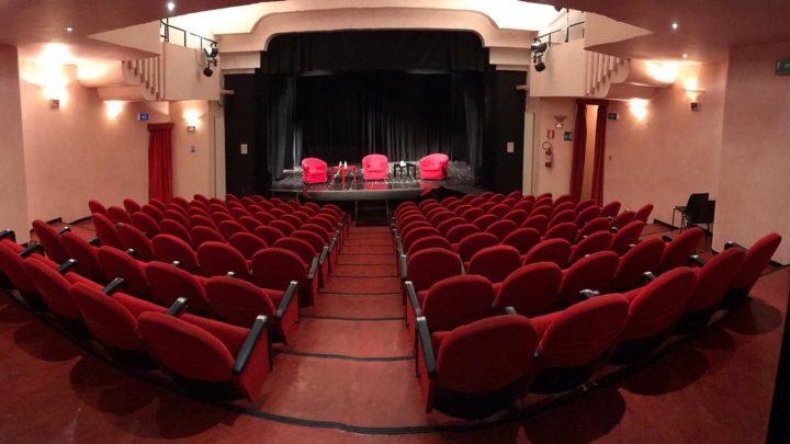 """Dall'11 al 18 ottobre, l'artista in Residenza nel Teatro Comunale di Massafra sarà l'attore e regista Dario Lacitignola, con il suo progetto """"L'amore inabitabile""""."""